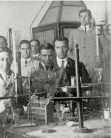 Germán Bernácer en el Laboratorio de Física de Alicante