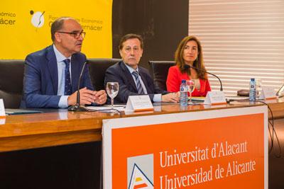 El rector, Manuel Palomar, Pedro Algarra y Enar Ruiz