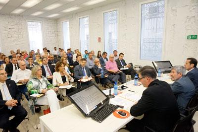 Conferencia de Pérez Campos en el Colegio de Economistas de Alicajnte