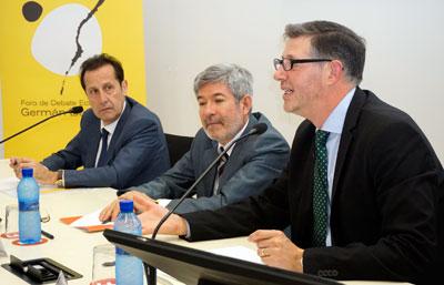 Pedro Algarra, Francisco Menargues y Félix José Pérez-Campos en primer plano.