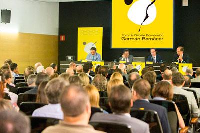 Vista de la sala en la conferencia sobre la Reforma Fiscal